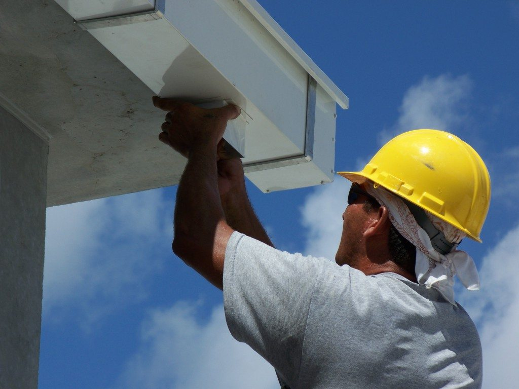 Gutter Installation: Common Mistakes to Avoid According to Roofing Professionals